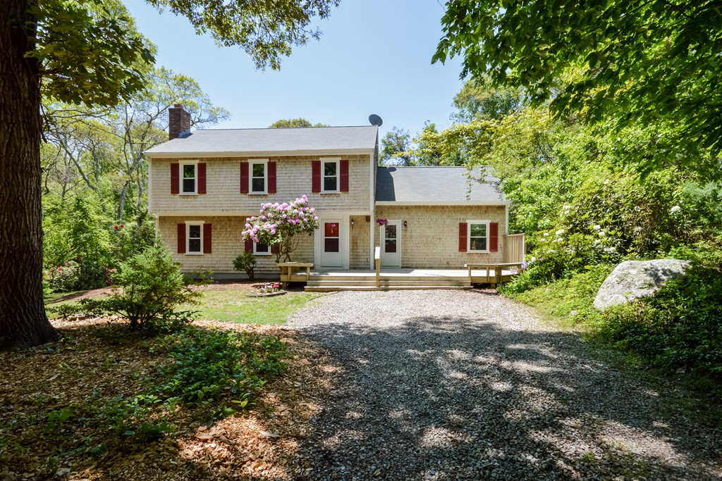 15 Hackmatack Way, Falmouth, Massachusetts