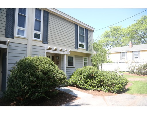 Picture 2 of 11 Oak St Unit 22 Wellesley Ma 2 Bedroom Single Family