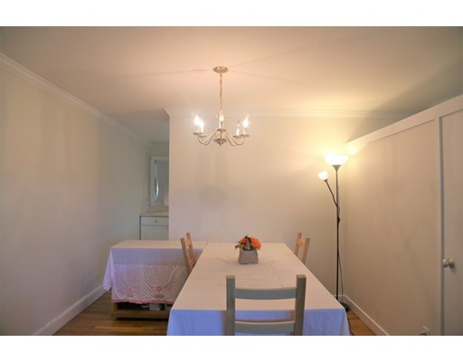 Picture 5 of 11 Oak St Unit 22 Wellesley Ma 2 Bedroom Single Family