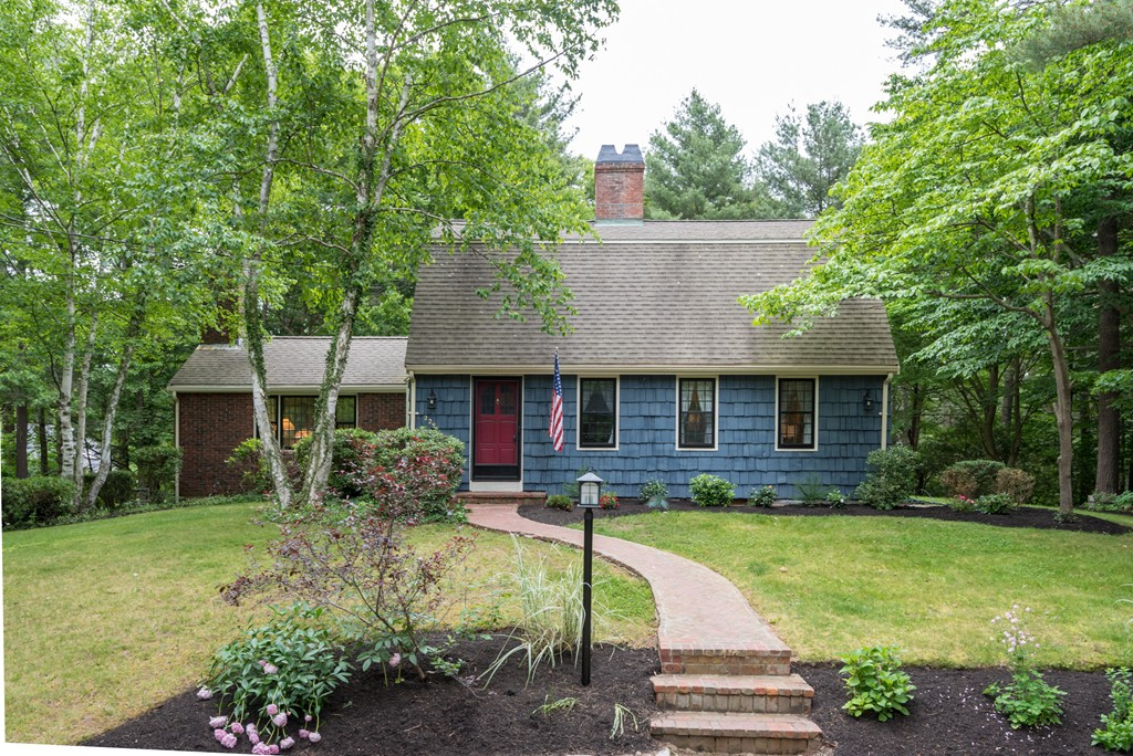 229 Grove St, Hanover, Massachusetts