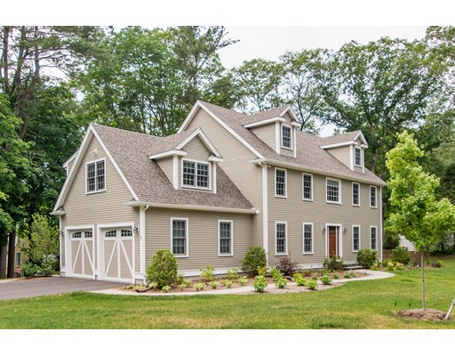 7 Kingsbury Dr, Medfield, MA 02052