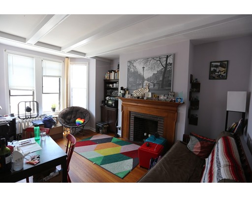 4 Commonwealth Ct, Boston, MA 02135
