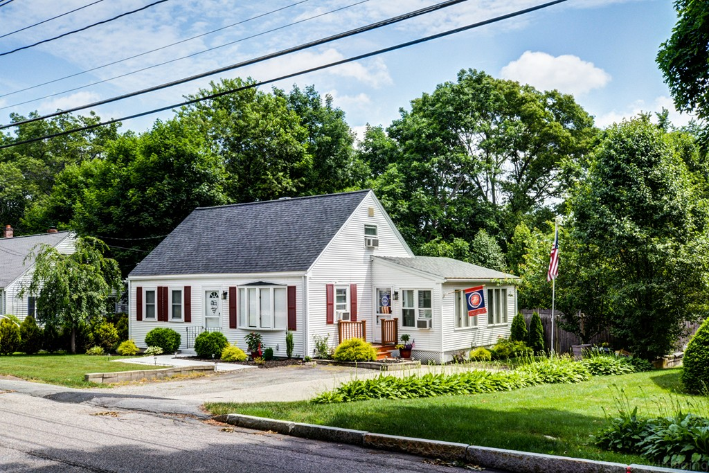 Walpole ma real estate for sale homes condos land and 142 spring st walpole ma 02081 publicscrutiny Image collections
