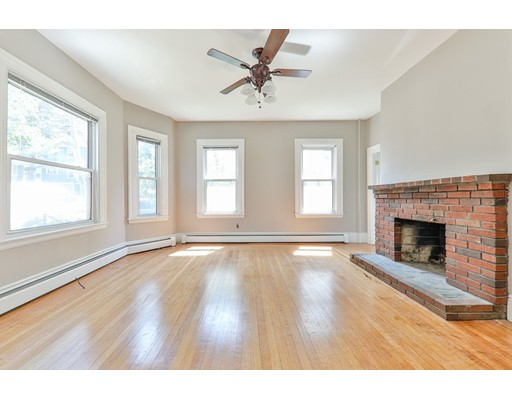 15 Salcombe St, Boston, MA 02125