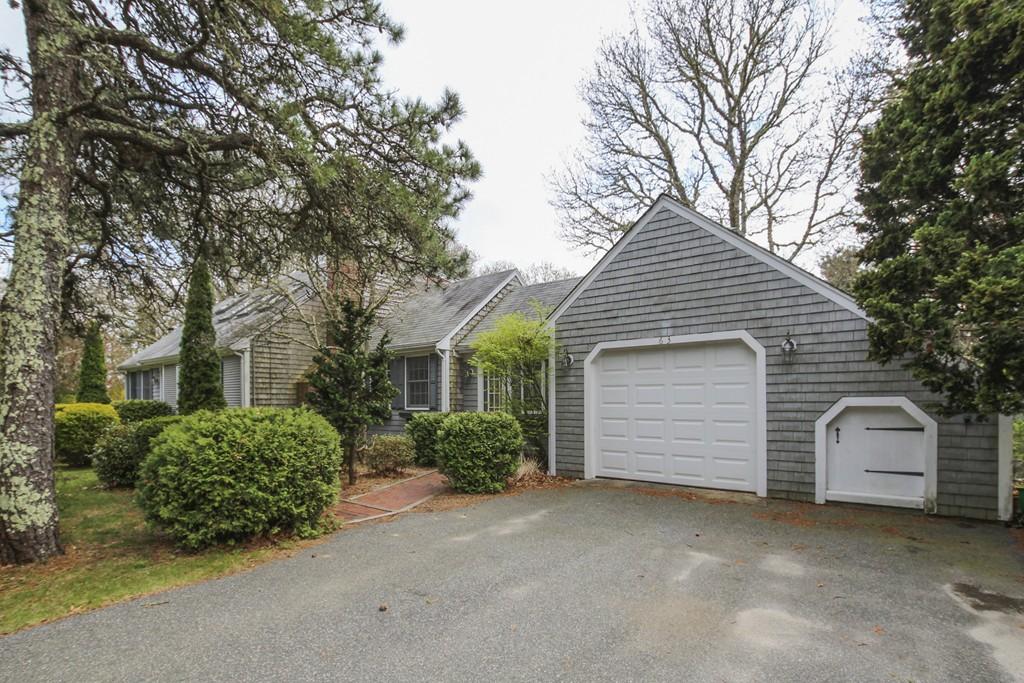63 Fairway Ln, Falmouth, Massachusetts