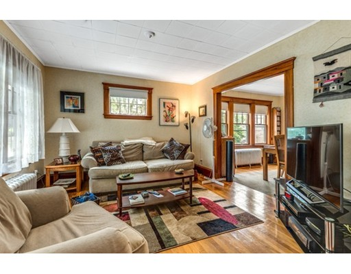 Picture 5 of 14-16 Pine St  Arlington Ma 4 Bedroom Multi-family