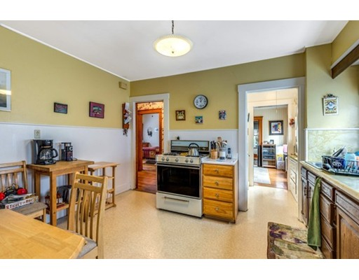 Picture 10 of 14-16 Pine St  Arlington Ma 4 Bedroom Multi-family