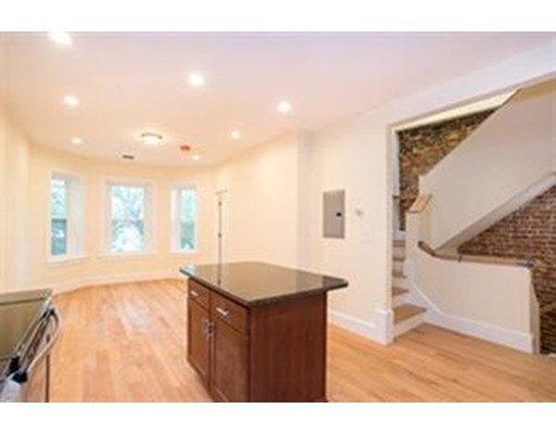 79 Brighton Ave, Boston, MA 02134