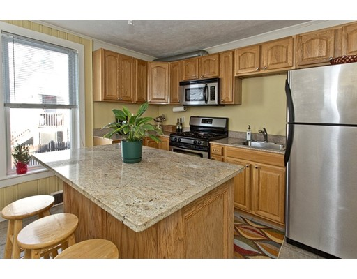 Picture 2 of 30 Howie St Unit 30 Melrose Ma 2 Bedroom Condo