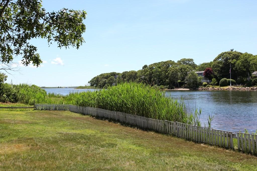 2 Palm St, Falmouth, Massachusetts