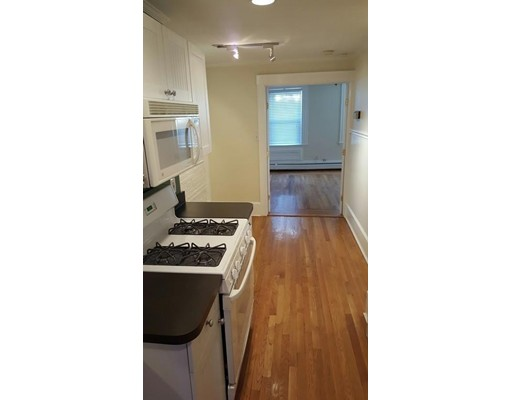 23 Chelsea St, Boston, MA 02128