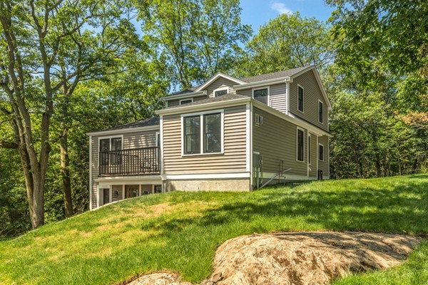 24 Kimlo Rd, Wellesley, Massachusetts