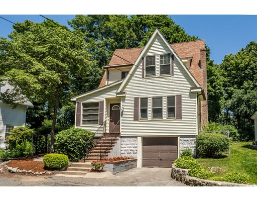 Picture 2 of 569 Winthrop St  Medford Ma 3 Bedroom Single Family