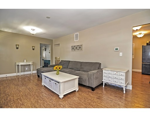 Picture 5 of 63 Jasper St  Saugus Ma 2 Bedroom Single Family