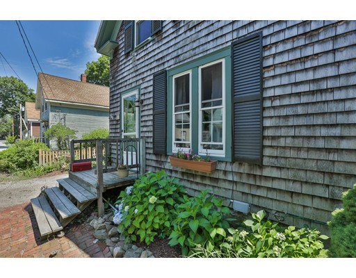 Picture 2 of 15 Central St  Merrimac Ma 3 Bedroom Single Family