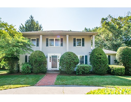 104 Wood End Ln, Medfield, MA 02052