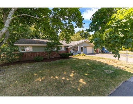 Picture 4 of 18 Cabot Rd  Danvers Ma 3 Bedroom Single Family