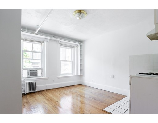 109 Dartmouth, Boston, MA 02116