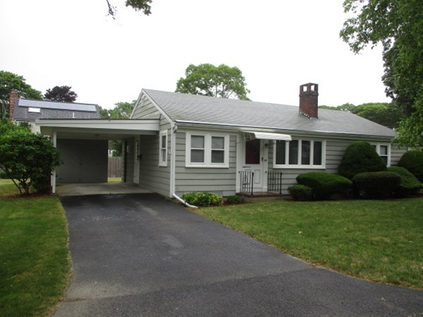 44 Russell Road, Falmouth, Massachusetts