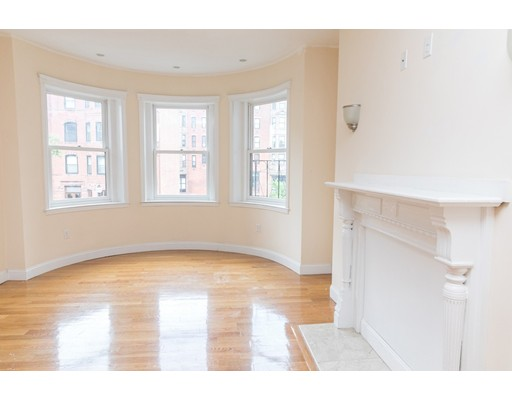 154 Newbury St, Boston, MA 02116