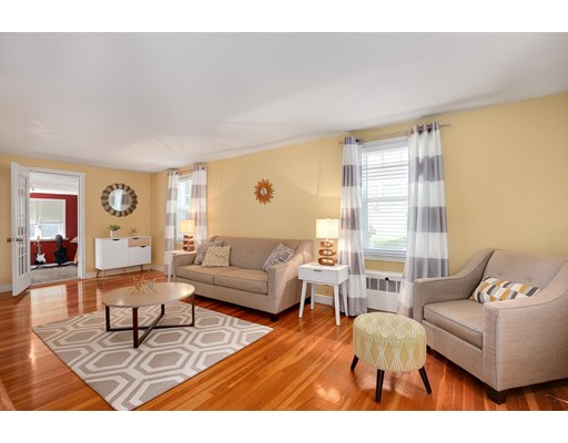 Picture 4 of 110 Spring St  Arlington Ma 3 Bedroom Single Family