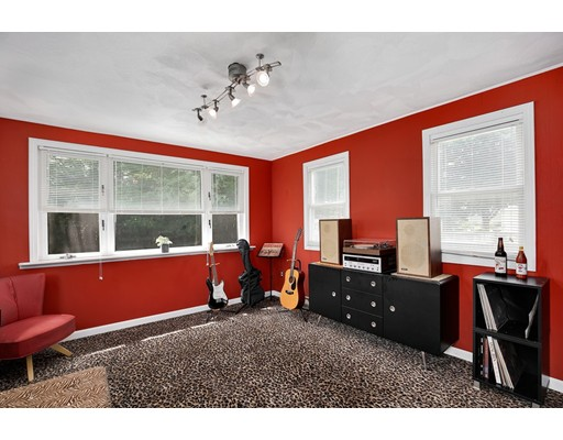 Picture 5 of 110 Spring St  Arlington Ma 3 Bedroom Single Family