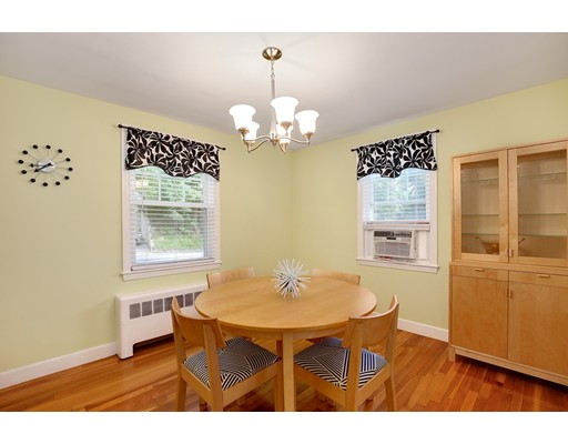 Picture 12 of 110 Spring St  Arlington Ma 3 Bedroom Single Family