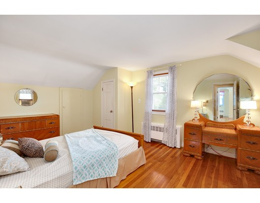 Picture 13 of 110 Spring St  Arlington Ma 3 Bedroom Single Family