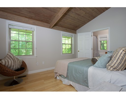 Picture 5 of 795 Boston Post Rd  Weston Ma 2 Bedroom Single Family
