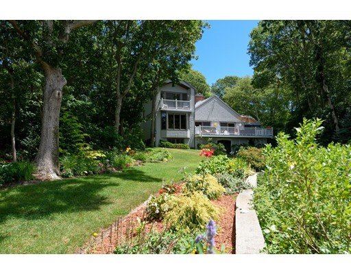 15 N Bournes Pond Road, Falmouth, Massachusetts