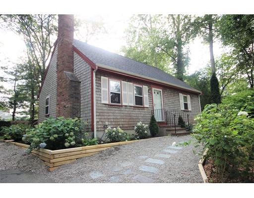 2 White Pine Lane, Falmouth, Massachusetts