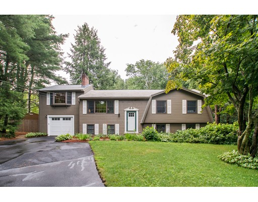 5 Longmeadow Rd, Medfield, MA 02052