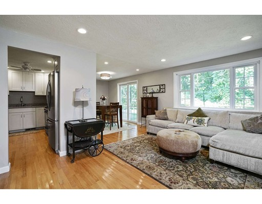 81 Kennedy Dr Unit 81 Chelmsford Ma Townhouse For Sale 238000