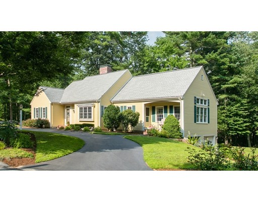 Picture 9 of 40 Hillside Rd  Carlisle Ma 4 Bedroom Single Family
