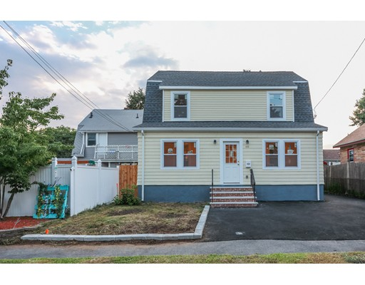 Arnold St, Quincy, MA 02169