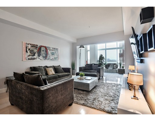 197 Eighth St, 425 - Waterfront, MA