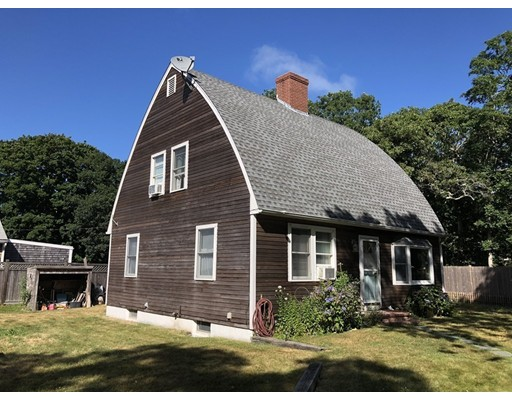 Photo: 18 Towanticut St, Oak Bluffs, MA