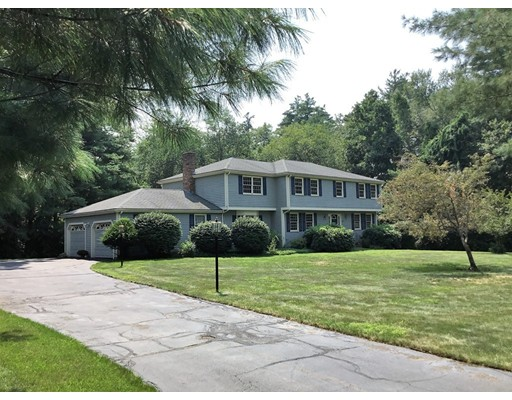40 Whichita Road, Medfield, MA 02052
