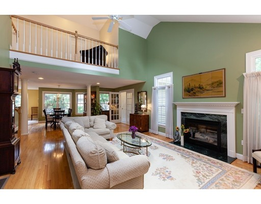 Jennifer Way, Easton, MA 02375