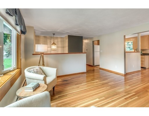 Picture 7 of 3 Englewood Dr  Wilmington Ma 3 Bedroom Single Family