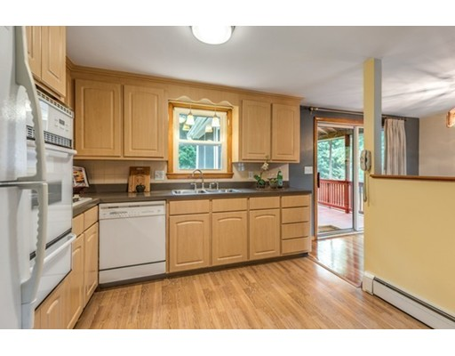 Picture 12 of 3 Englewood Dr  Wilmington Ma 3 Bedroom Single Family