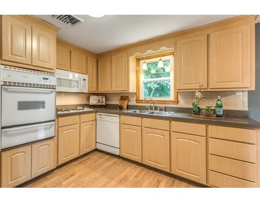 Picture 13 of 3 Englewood Dr  Wilmington Ma 3 Bedroom Single Family