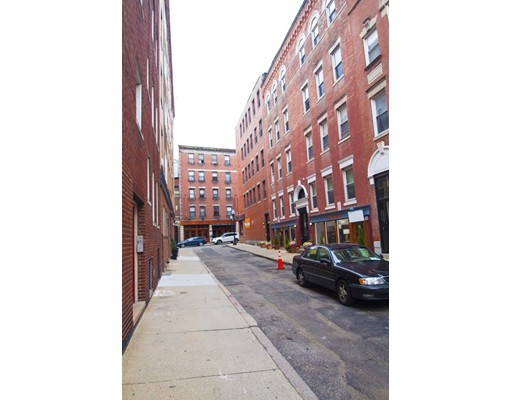 8 Baldwin Place, Boston, MA 02109