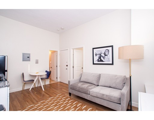 102 Chandler, Boston, MA 02116