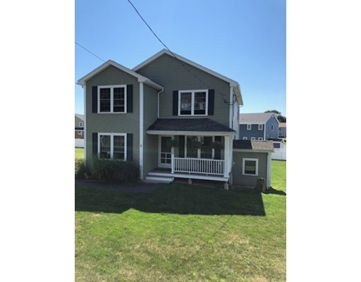 Picture 4 of 3 Reynard  St  Gloucester Ma 3 Bedroom Single Family