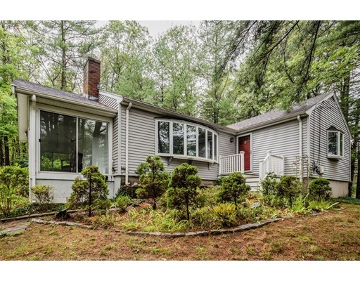 Picture 4 of 29 Easy St  Sudbury Ma 3 Bedroom Single Family