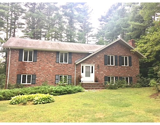 17 Indian Hill Road, Medfield, MA 02052