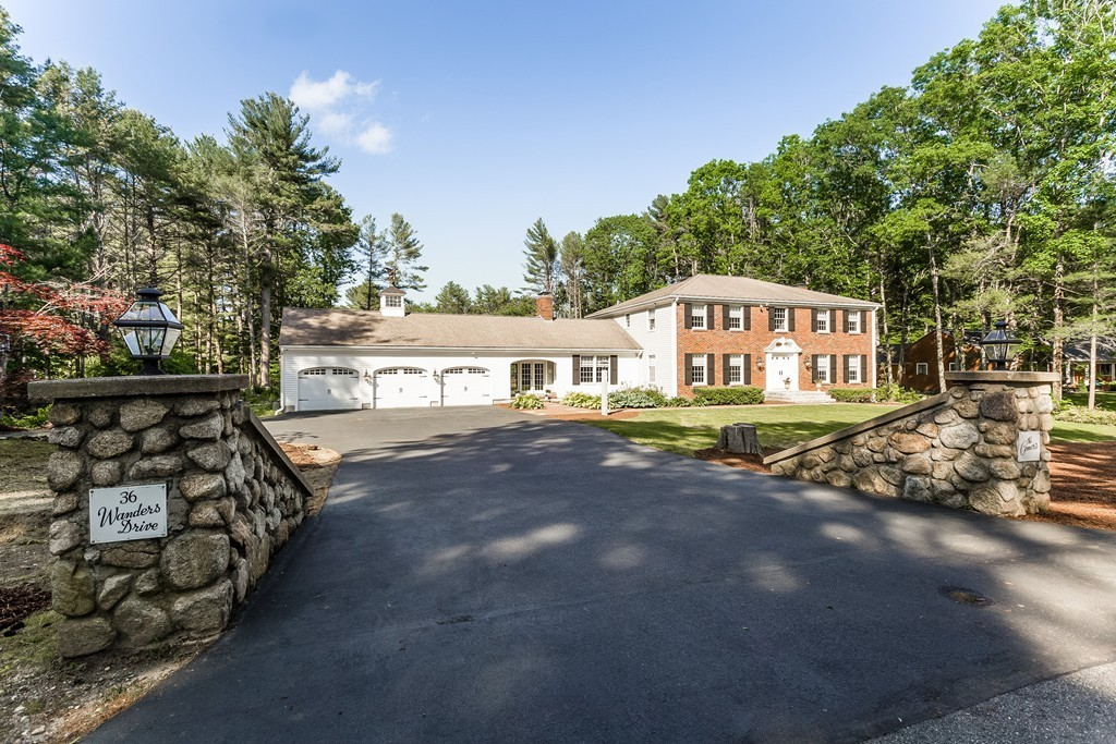 36 Wanders Drive, Hingham, Massachusetts
