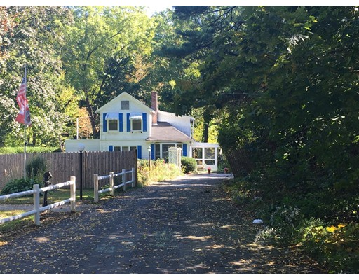 Picture 1 of 8 California Ln  Amesbury Ma  3 Bedroom Single Family#