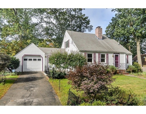 Picture 12 of 11 Hemlock Rd  Newton Ma 4 Bedroom Single Family